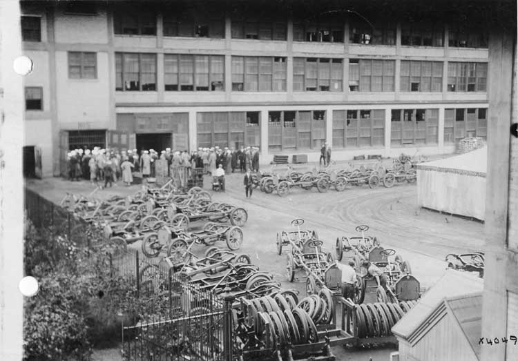 Chalmers Motor Company factory, exterior view