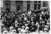 Crowd in street at start of the 1909 Glidden Tour, Detroit, Mich.
