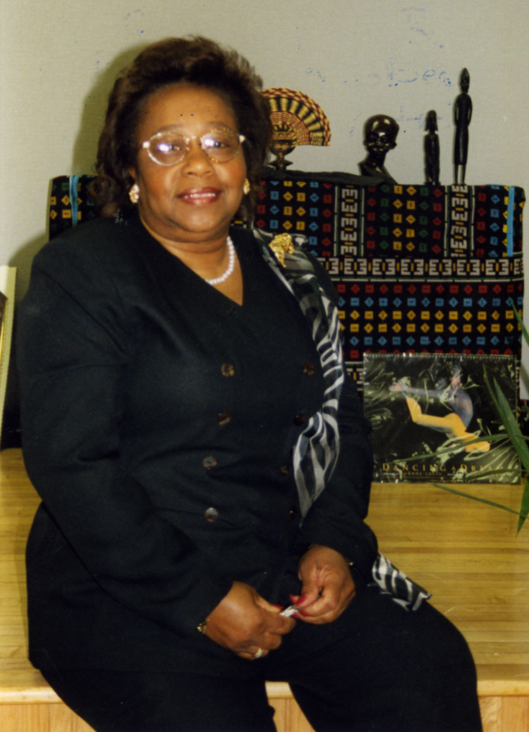image of Roberta Cannon at the Local 602 Union Hall during the annual Taste of Black History program (year unknown).