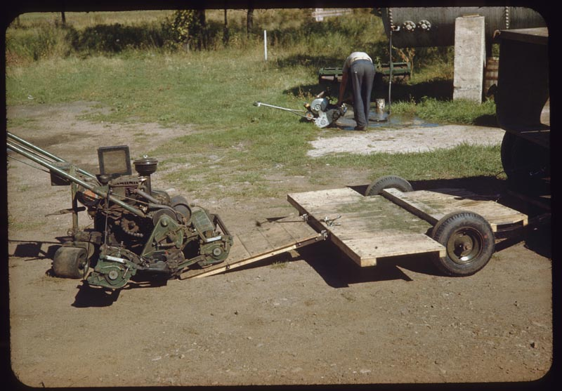 Low Trailer for mower transport