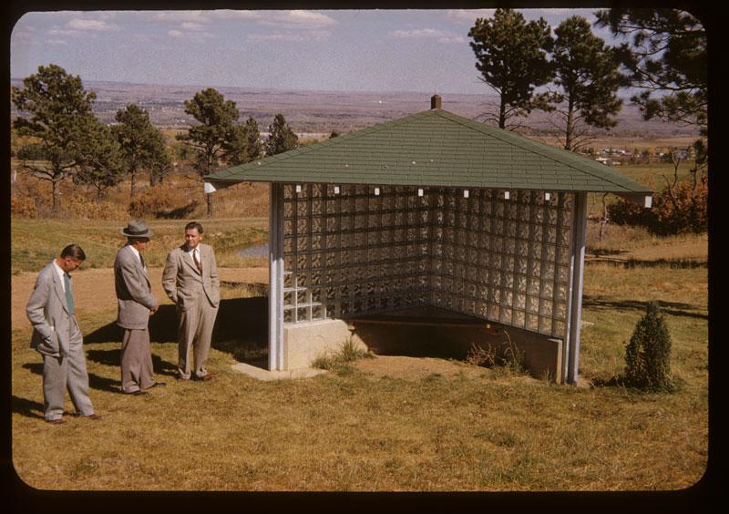 Shelter House of glass brick Tutt, Haines & Wilson