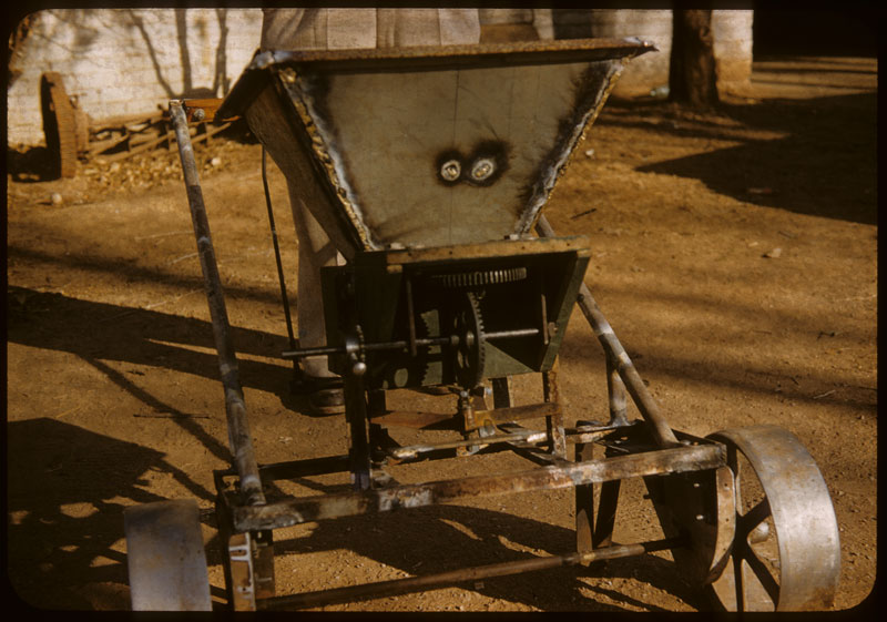Close-up ho-made Cyclone Fert. Spreader