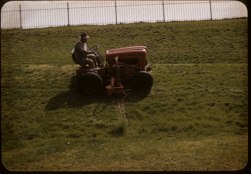 35° slope mowed by Worthington G-tractor