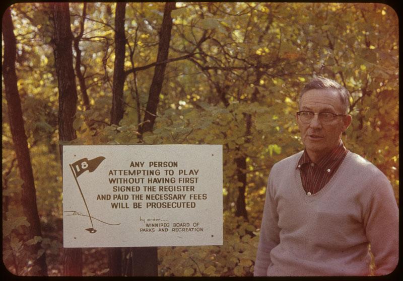 Sam Hutchinson Golfer education sign
