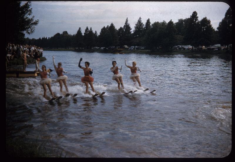 A. I. P. E. - Girls water ballet